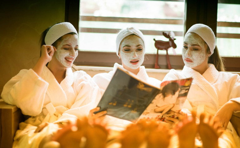 girls relax at spa
